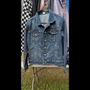 🙅🏼♀️❌SOLD🙅🏼♀️❌ Women's Small Jean Jacket